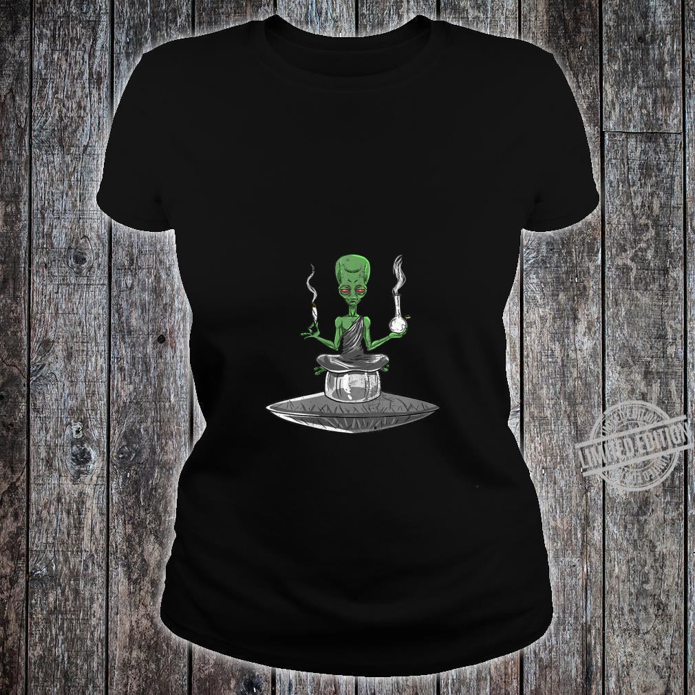 Womens Alien Smoker Bong ET 420 Space Weed Marijuana Shirt ladies tee